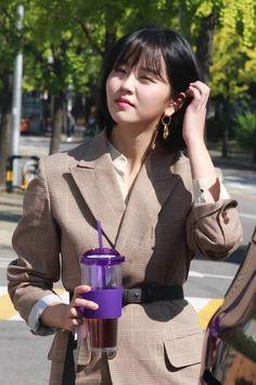 Kim So Hyun Fashion, Korean Fashion, Asian Actors, Korean Actresses, Kim Sohyun, Beautiful Actresses, Korean Drama, Glamour, Korean Style