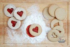 Pohankové linecké (přirozeně bezlepkové) | Jíme rádi Gluten Free Baking, Gluten Free Desserts, Gluten Free Recipes, Autoimmune Paleo, Valspar, Christmas Baking, Sweet Recipes, Ham, Food And Drink