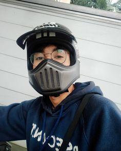 Grunge Boy, Tumblr Boys, Ulzzang Boy, Handsome Boys, Cute Drawings, Cute Boys, Riding Helmets, Boyfriend, Peeps