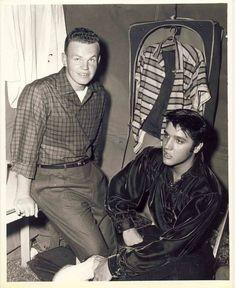 Elvis never left Elvis Presley Priscilla, Elvis Presley Images, Tupelo Mississippi, Young Elvis, John Lennon Beatles, Greatest Songs, Famous Faces, American Singers, Gorgeous Men