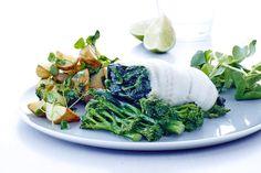 Tallerken med fisk og salat