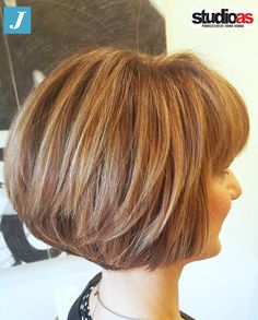 Degradé Joelle e Taglio Punte Aria #degradejoelle #tagliopuntearia #musthave #madeinitaly #oodt #grosseto Bob Hairstyles, Haircuts, Short Hair Cuts, Short Hair Styles, Wedge Haircut, Long Bob, Thick Hair, Cut And Style, Bobs