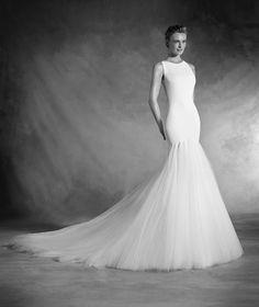 Nuala - Vestido de novia sirena con escote caja en crepe, gasa y tul