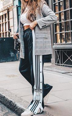 Pin by elisa morello on do you even fashion? Fashion 2018, I Love Fashion, Fashion Looks, Sporty Outfits, Fashion Outfits, Womens Fashion, Autumn Winter Fashion, Winter Style, Athleisure Fashion