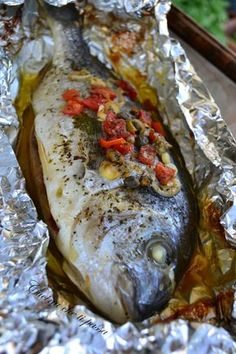 Here you can find a collection of Italian food to date to eat Fish Recipes, Seafood Recipes, Healthy Recipes, How To Cook Fish, Cooking Ingredients, Slow Food, Fish Dishes, Italian Recipes, Italian Cooking