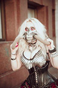 Immortan Joe from Mad Max: Fury Road cosplay Lolita Cosplay, Dc Cosplay, Cosplay Anime, Cosplay Outfits, Best Cosplay, Cosplay Girls, Cosplay Costumes, Female Cosplay, Halloween Cosplay