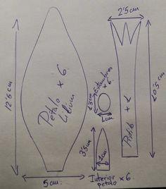 Os dejo un tutorial de como realizo los lilium en goma eva. Los patrones los podeis descargar pinchando en la imagen: Espero que os gu...