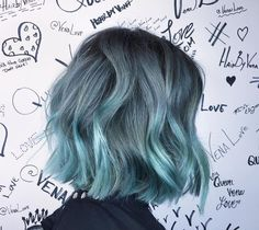35 Light Blue Hair Color Ideas Looking for a surprising new hair color that's fit for any season? From blue pastel hair to cool shades of aqua, you'll love these light blue hair color ideas. Light Blue Hair, Hair Color Blue, Color Red, Blue Green Hair, Bright Hair, Aqua Hair, Colorful Hair, Short Hair Colour, Ash Blue Hair