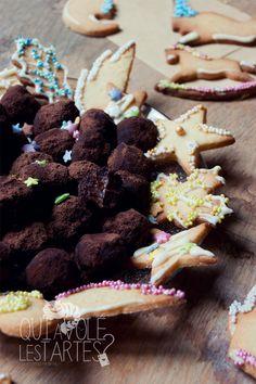 Cadeaux gourmands, couronne de Noël & truffes au chocolat http://www.quiavolelestartes.com/cadeaux-gourmands-couronne-de-noel-truffes-au-chocolat/