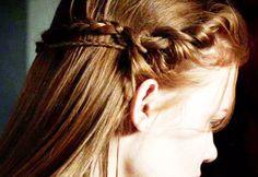 Lydia Martin's (Holland Roden) hair♡ Lydia Martin Quotes, Style Lydia Martin, Elegant Hairstyles, Cute Hairstyles, Amazing Hairstyles, Updo Hairstyle, Wedding Hairstyles, Couleur Ombre Hair, Lydia Martin Hairstyles