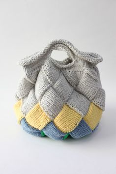 How to Knit Entrelac in the Round Easy Knitting Patterns, Knitting Designs, Knitting Projects, Crochet Patterns, Crochet Tote, Knit Crochet, Knitted Bags, Knit Bag, Knit Basket