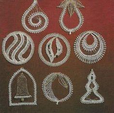 Bobbin lace inspiration for Christmas Bobbin Lacemaking, Egg Decorating, Lace Making, Lace Design, Diy Projects To Try, String Art, Needlework, Weaving, Cross Stitch