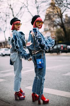 Paris Fashion Week Street Style Fall 2018 Day 1 Cont. All the best street style looks from Paris FW18 shows and fashion week. The best looks worn by fashion editors, models, influencers and more. See the latest Street Style from all the womenswear fashion shows at TheImpression.com