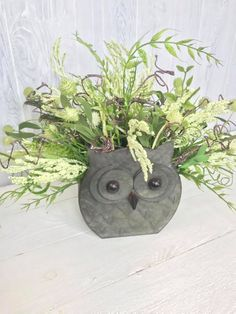 Are you an owl fan too? We teach hundreds of people how to design and create in our Design School. We also have a Facebook community where we show our creations and use interesting products in new and creative ways. Join Kelea's today! spring decoration, wreath drawing, making wreaths, wreath, wreaths meaning etsy wreath, country wreaths for front door Etsy Wreaths, Owl Wreaths, Easter Wreaths, Christmas Wreaths, Front Door Decor, Wreaths For Front Door, Wreath Drawing, Christian Decor, Country Wreaths