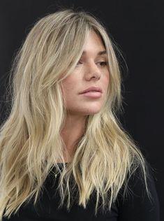 Blonde Hair Looks, Brown Blonde Hair, Blonde Hair With Layers, Blonde Hair Bangs, Mid Length Blonde Hair, Blunt Haircut With Layers, Blonde Honey, Honey Hair, Cut My Hair
