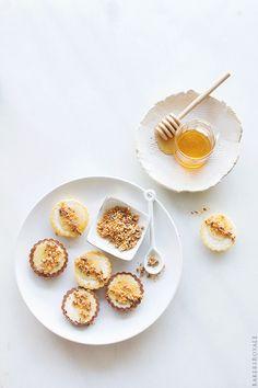 Butterfinger and Honey Mini Tarts via Bakers Royale