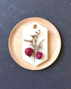 One of my first designs - always makes me feel nostalgic recreating it. Brings me back to the first sale I made on Etsy. Wax Tablet, Letter Ornaments, Natural Air Freshener, Diy Wax, Scented Sachets, Homemade Candles, One Design, Dried Flowers, Handicraft
