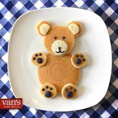 Little bear pancakes Food Crafts, Diy Food, Cute Food, Yummy Food, Pancake Art, Food Art For Kids, Shapes For Kids, Creative Food Art, Food Garnishes