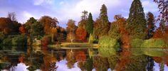 Por aqui o outono é sempre lindo. Parque Jardim Sheffield, em Sussex, Inglaterra, Reino Unido.  Fotografia: NTPL/Andrew Butler.