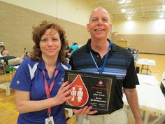 Congratulations to Vandalia Butler High School - a Red Cord Honor Program School for 2014-2015 ! CBC's Jon Thalman presented the award to blood drive coordinator & Student Government faculty advisor Jeanene Popp at Monday's spring blood drive. Bulter also held a blood drive in September. Student Government sponsors both fall & spring blood drives.
