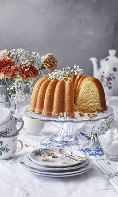Ihannekakku | Maku Baking Recipes, Cake Recipes, Finnish Recipes, Coffee Bread, Sweet Pastries, Bread Cake, World Recipes, Homemade Cakes, Diy Food