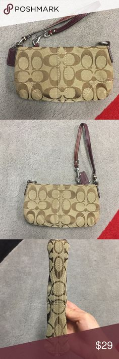 Coach Wristlet ❤️ Hardly used/very clean Authentic Coach Wristlet Coach Bags Clutches & Wristlets