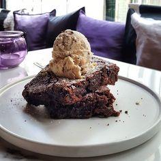 Donnie Dough (@donnie.dough) • Fotos e vídeos do Instagram Cookie Desserts, Cookie Dough, Cookies, Instagram, Food, Biscuits, Meal, Essen, Cookie Recipes