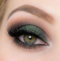 Eyeshadow For Green Eyes, Green Smokey Eye, Makeup Looks For Green Eyes, Makeup Eye Looks, Makeup For Green Eyes, Smokey Eye Makeup, Cute Makeup, Eyeshadow Looks, Skin Makeup