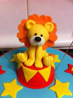 Circus lion cake topper