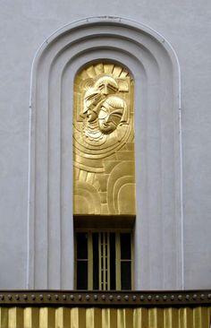 French Art deco: Bas-relief de Maurice Picaud, dit Pico (1928) - Théâtre des Folies Bergère, Paris IXe / Photo: Yvette Gauthier.