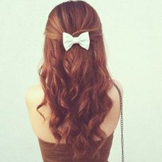 Brown Curls & Bow - Hairstyles and Beauty Tips My Hairstyle, Pretty Hairstyles, Wedding Hairstyle, Bad Hair, Hair Day, Brown Curls, Peruvian Hair, Tips Belleza, Gorgeous Hair