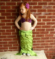 Little Mermaid - St. Martin Wieler didn't Tamikka want to be a mermaid? this outfit is very cute and I am sure you could make it! Your too talented! Ariel Halloween Costume, Fairy Costume Diy, Ariel Costumes, Halloween Items, Halloween Costumes For Girls, Diy Costumes, Halloween Kids, Halloween Party, Mermaid Costumes