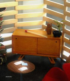 Miniature Credenza by Atomic Ω Blythe, via Flickr, I like the wall partition for my garden/porch looks (RM)