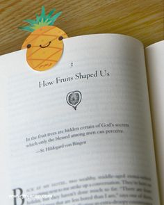 Super cute pineapple bookmark ♥