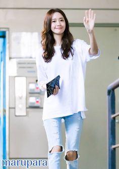 Maru Yoona on Sooyoung, Kim Hyoyeon, Yoona Snsd, Asian Fashion, Girl Fashion, Womens Fashion, Athleisure, Yuri, Boyish Style
