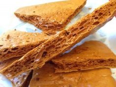 Best Ever Honeycomb recipe AKA Cinder Toffee, Hokey Pokey, Sponge Candy & Crunchie. With Kitchen Shed Tips to help you make the crunchiest honeycomb. Candy Recipes, Baking Recipes, Dessert Recipes, Honeycomb Recipe, Honeycomb Candy, Parfait Desserts, Toffee Candy, Cinnamon Sugar Donuts, Macaroon Recipes