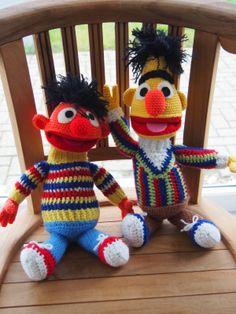 CROCHET - SESAME STREET / RUE / STRAAT - Bert en Ernie - ** NED ** - Haakpatroon binnenkort te koop $