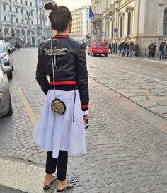 Luisa Fernanda EspinosaさんはInstagramを利用しています:「To jaywalk or not to jaywalk... // #Buongiorno #Milan #Day2 #DragonflyWhisperer #MFW」