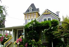 """thealy50: """" Another nice Victorian home in Santa Cruz. """""""