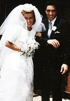 Elvis & Ann Margaret in Viva Las Vegas Elvis And Me, Elvis And Priscilla, Lisa Marie Presley, Old Movie Stars, Classic Movie Stars, Movies Must See, Ann Margret Photos, Wedding Movies, Jazz Artists
