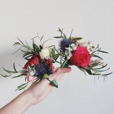 WEDDING CAKE FLOWERS F l o r a l S t y l i s t  (@pebbleanddot) Cake Flowers, Wedding Cakes With Flowers, Floral, Wedding Cake Flowers, Flowers, Flower
