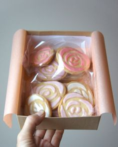 KUROIWA patisserie — Rose bouquet