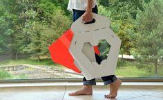 Bancos com material podem ser dobrados