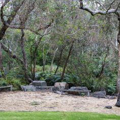 Photograph portfolio of native gardens and landscapes designed and built by Australian Landscape designer Sam Cox. Small Backyard Landscaping, Landscaping With Rocks, Modern Landscaping, Landscaping Ideas, Australian Garden Design, Australian Native Garden, Modern Landscape Design, Garden Landscape Design, Dry Garden