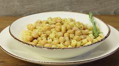 Ricetta Pasta e ceci alla romana: Pasta e ceci alla romana, un primo piatto che in realtà costituisce un piatto unico perchè racchiude in se tutta la bontà della nostra cucina !
