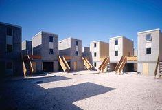 ORG XMIT: 034301_0.tif Arqutetura: Quinta Monroy, localizada na cidade de Iquique, no deserto do Chile. O projeto é do grupo de arquitetura Elemental, criado pelo arquiteto chileno Alejandro Aravena. (Foto: Tadeuz Jalocha/Elemental Chile) *** PROIBIDA A PUBLICAÇÃO SEM AUTORIZAÇÃO EXPRESSA DO DETENTOR DOS DIREITOS AUTORAIS ***