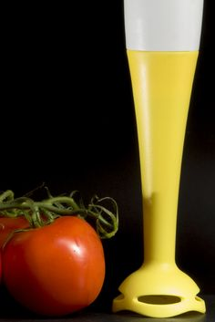 immersion blender with tomato