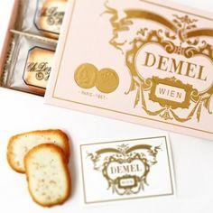 センスいいと褒められる!パッケージもお洒落なお菓子ギフト Cookie Packaging, Sweets, Gifts, Food, Austria, Boards, Packing, Wedding Ideas, Gourmet