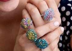 Some crochet sparkle! Free Crochet Ring Pattern: Mod Rings by Jodi Witt