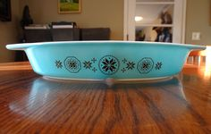 Extremely RARE Pyrex turquoise blue Town & Country test piece dish excellent
